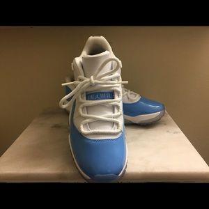 Air Jordan Retro 11 Low University Blue 8.5